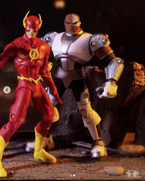 mcfarlane toys - flash and cyborg