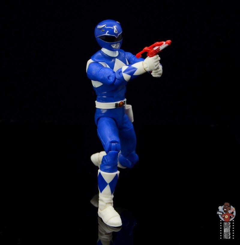 power rangers lightning collection blue ranger figure review - aiming blaster