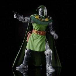 Fantastic Four Marvel Legends Series 6-Inch Doctor Doom figure -aiming