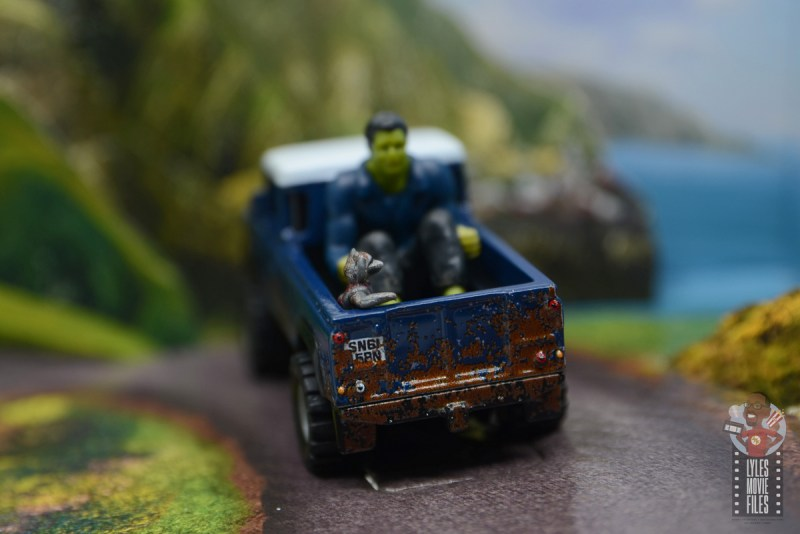 Hot Wheels Marvel Land Rover Defender 110 Pickup Truck with Hulk and Rocket review - rocket in the back