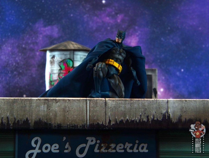 mafex hush batman figure review -on rooftop