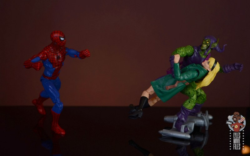 marvel legends retro gwen stacy figure review - kidnapped by green goblin