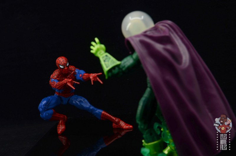 marvel legends retro spider-man figure review - vs mysterio