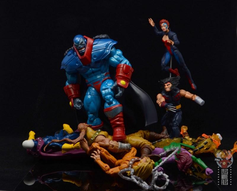 marvel legends apocaylpse - apocalypse figure review - vanquished x-men