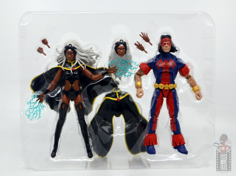marvel legends storm and thunderbird figure review - accessories in tray