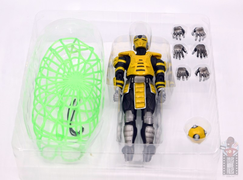 storm collectibles mortal kombat cyrax figure review - accessories in tray