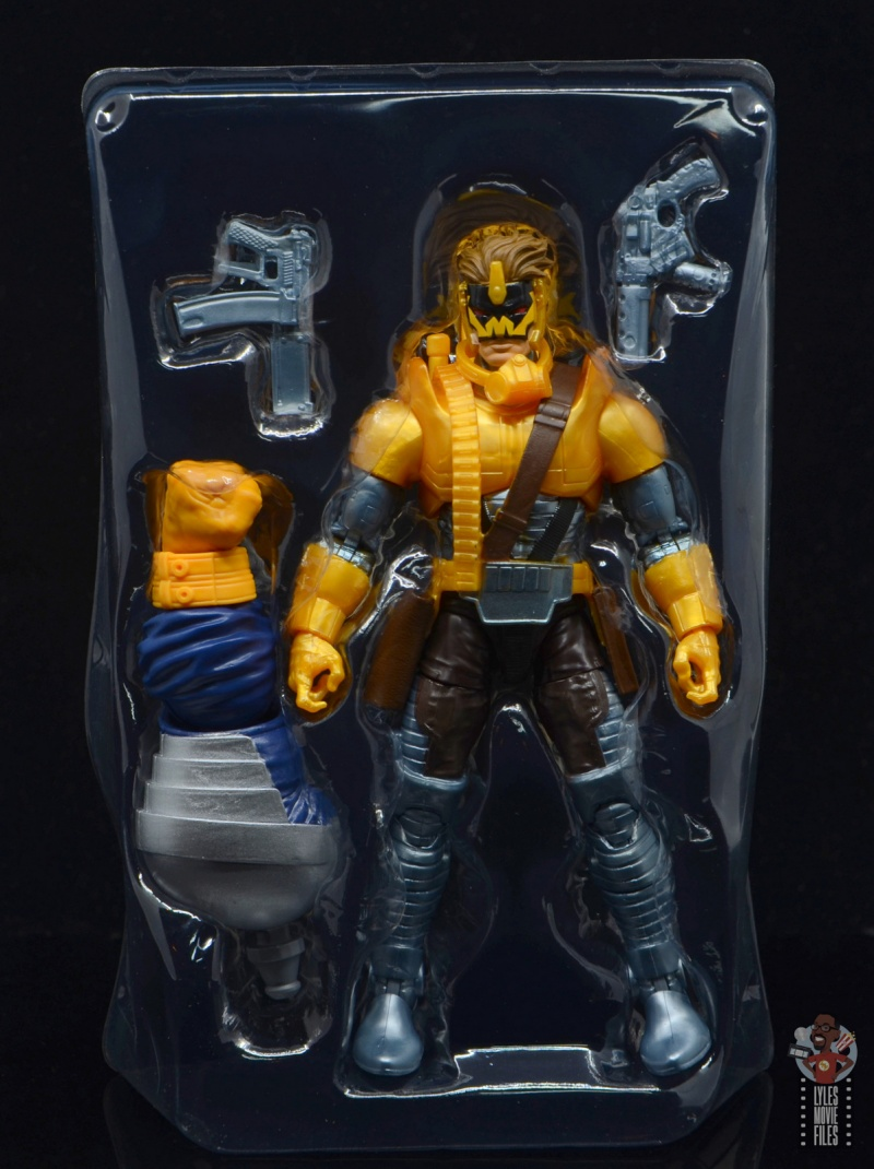 marvel legends maverick figure review - acceessories on tray