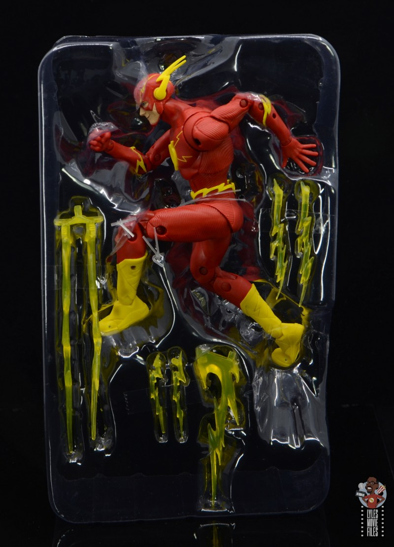 mcfarlane toys dc multiverse the flash figure review - accessories in package
