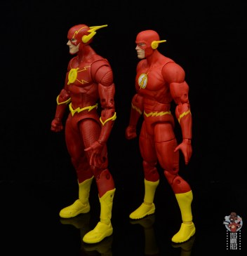 mcfarlane toys dc multiverse the flash figure review - side with dc essentials flash