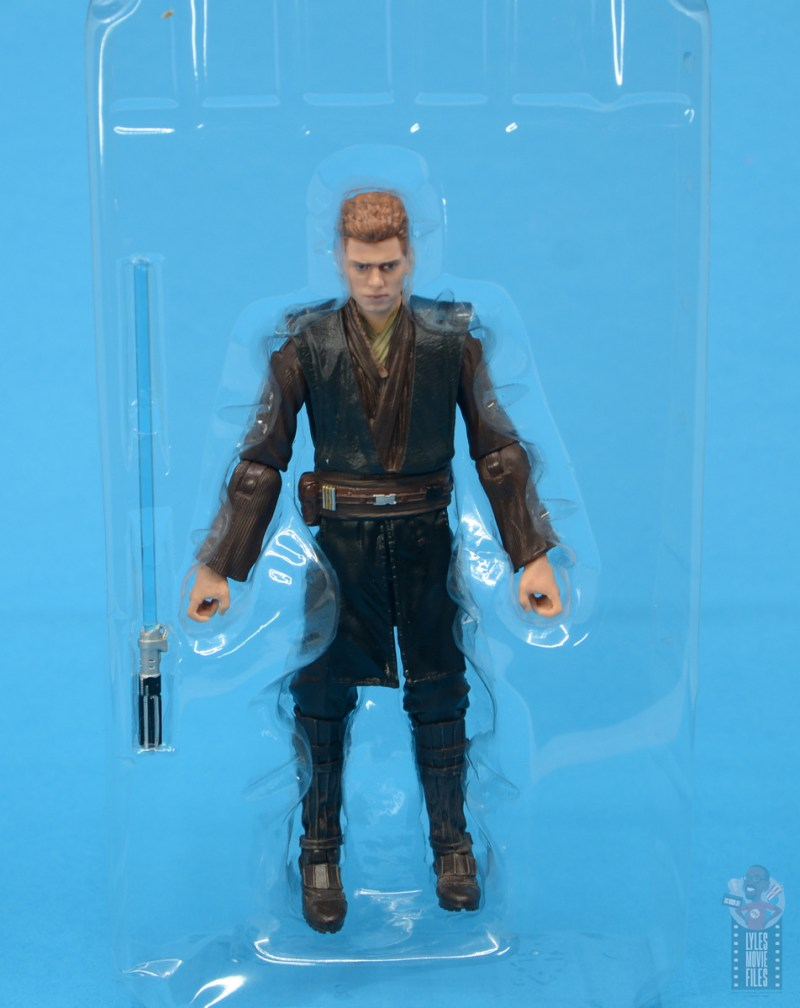star wars the black series anakin skywalker padawan figure review - accessories in tray