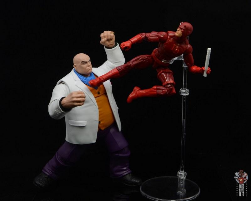 marvel legends retro kingpin figure review - vs daredevil