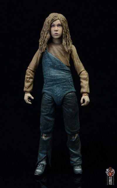 neca aliens newt figure review - front