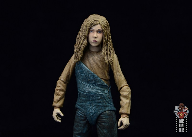 neca aliens newt figure review - wide shot