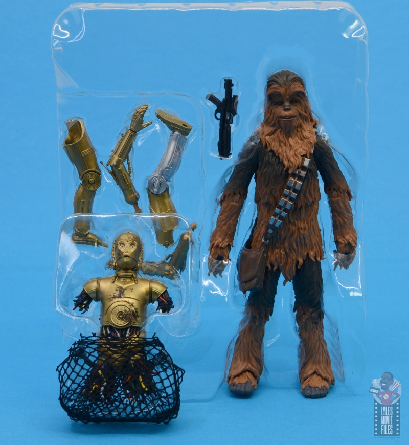 star wars the black series chewbacca and c-3p0 figure set review - accessories in tray