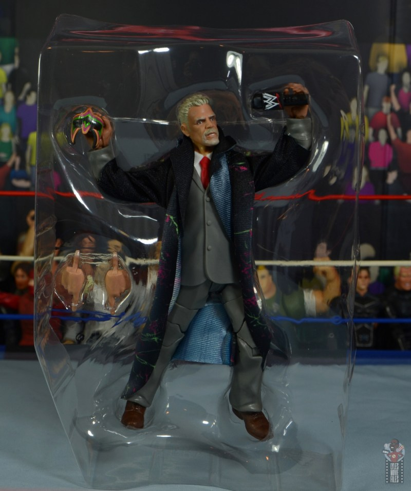 wwe legends series 8 ultimate warrior figure review - accessories in tray