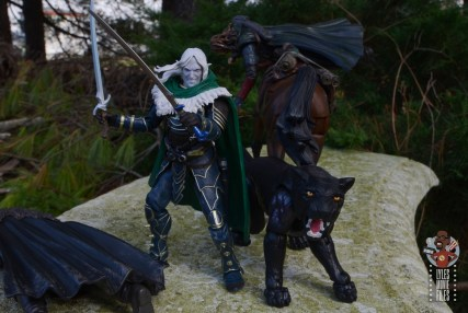 dungeons and dragons drizzt and guenhwyvar figure review - saving allies