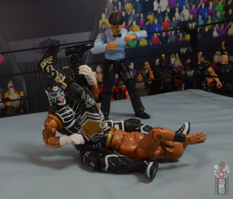 aew-unrivaled-pentagon-jr-figure-review-sit-out-powerbomb-to-ricochet