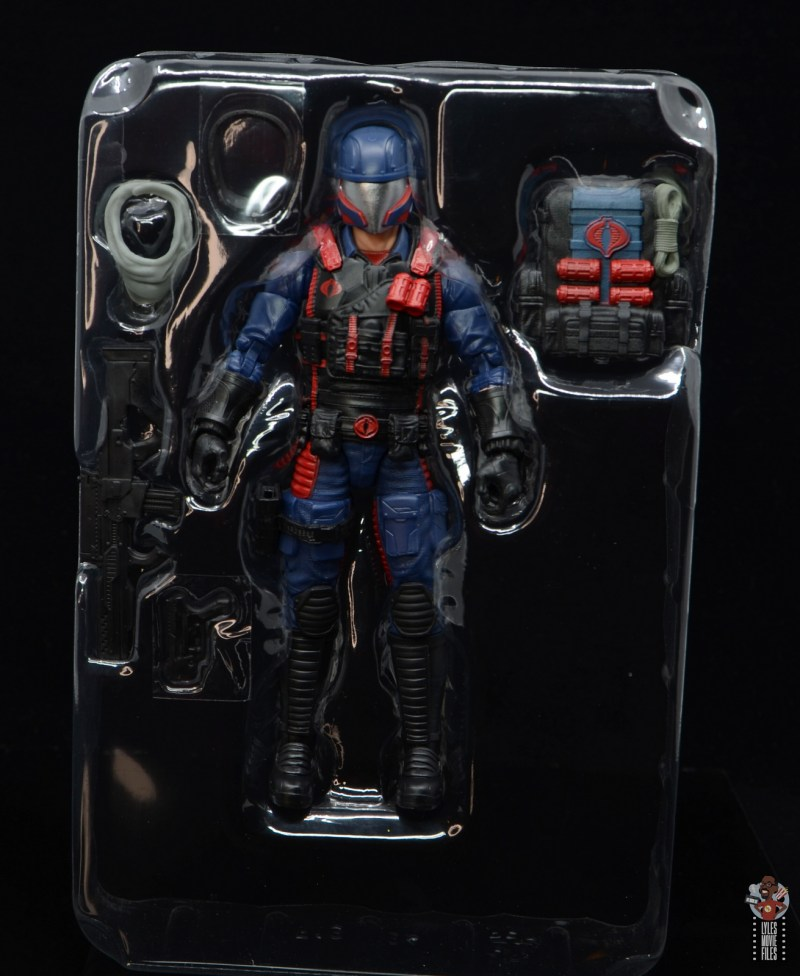 gi joe classified series cobra viper figure review - accessories in tray