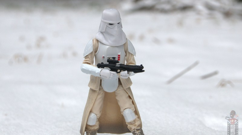 star-wars-the-black-series-imperial-snowtrooper-figure-review-main-pic