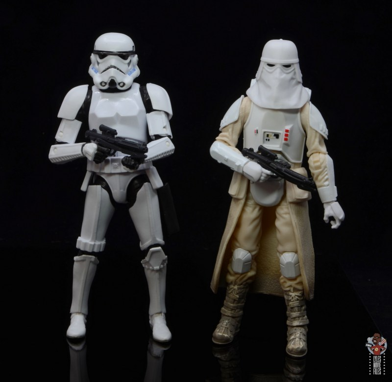 star-wars-the-black-series-imperial-snowtrooper-figure-review-scale-with-stormtrooper