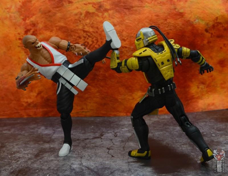 storm collectibles mortal kombat baraka figure review - kicking cyrax