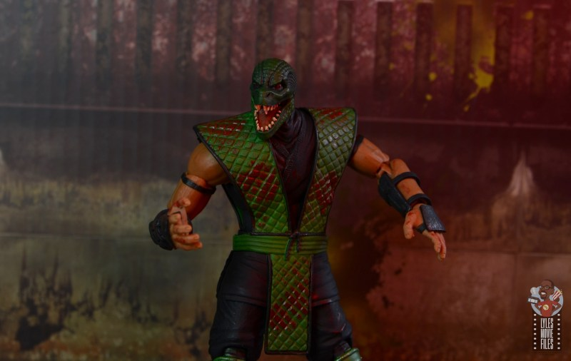 storm collectibles mortal kombat reptile figure review - final shot
