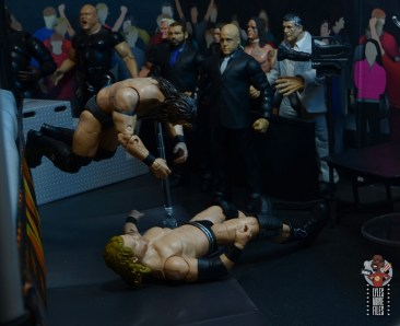 aew-unrivaled-pac-figure-review-450-on-the-outside