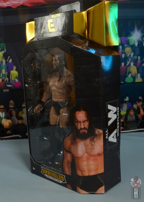 aew-unrivaled-pac-figure-review-package-left-side