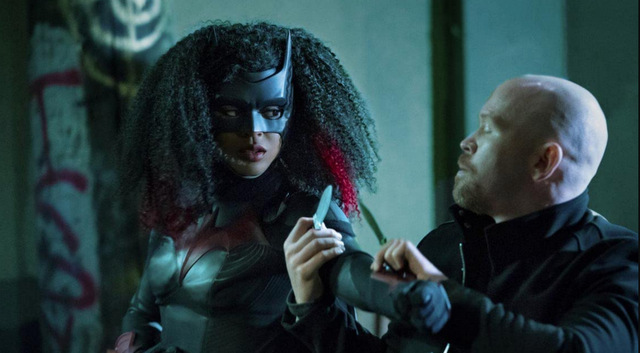 batwoman bat girl magic - batwoman vs zsasz