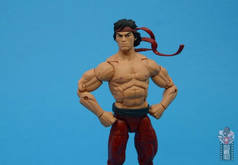 marvel-legends-shang-chi-figure-review-hands-on-hips