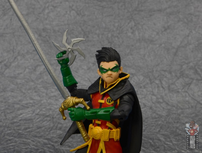 mcfarlane-toys-robin-figure-review-with-weapons