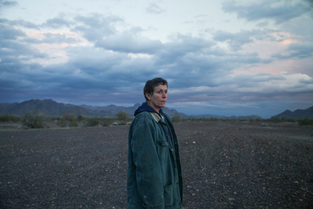 nomadland review - frances mcdormand