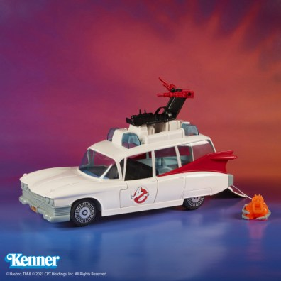 Kenner Classics Ghostbusters Ecto-1 left side
