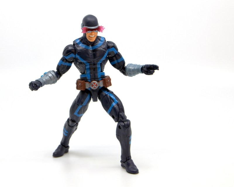 marvel legends house of x cyclops figure review - about to unleash optic blast