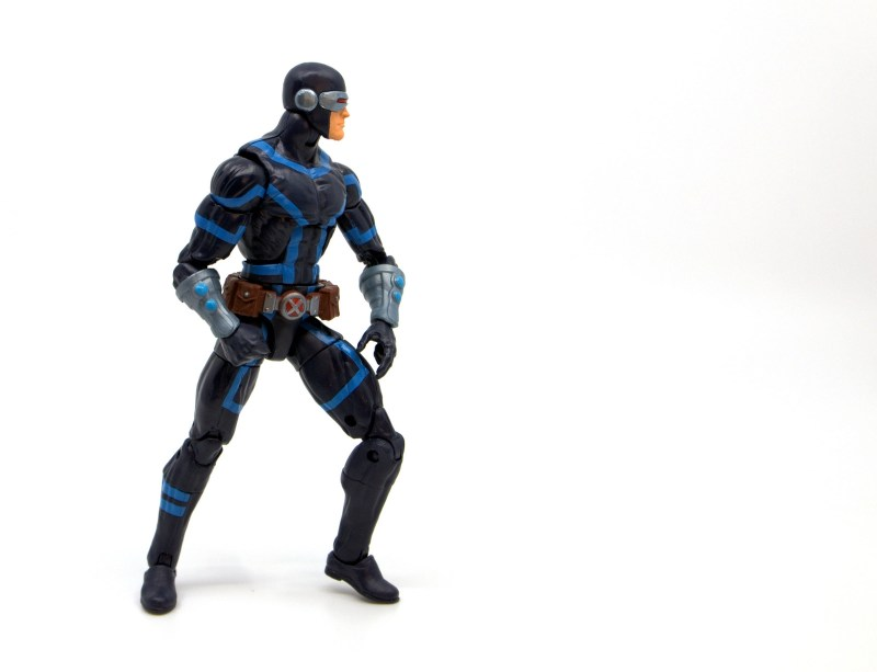 marvel legends house of x cyclops figure review - battle stance