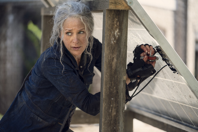 the walking dead diverged review - carol