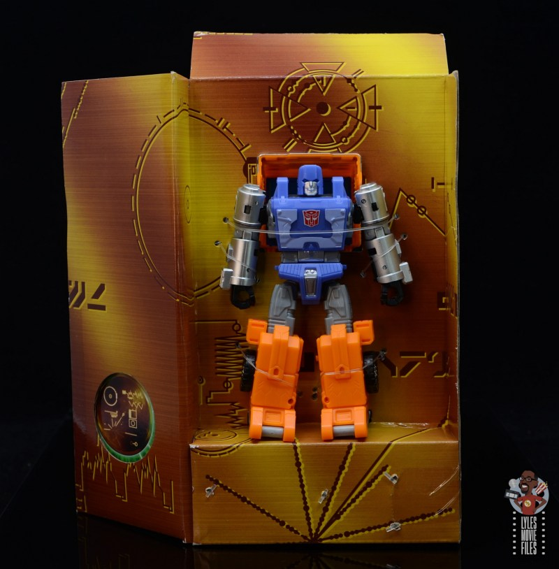 transformers kingdom war for cybertron huffer figure review - figure in tray