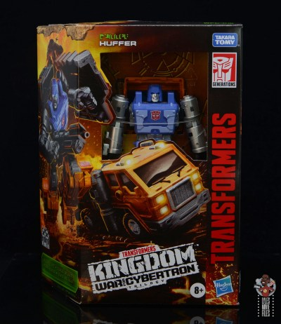 transformers kingdom war for cybertron huffer figure review - package front