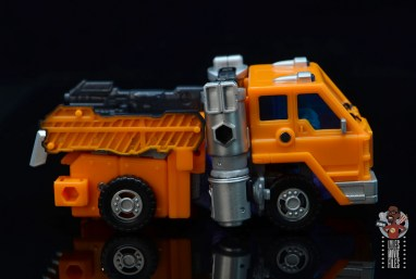 transformers kingdom war for cybertron huffer figure review - truck right side