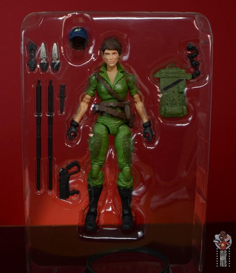 gi joe classified series lady jaye figure review - accessories in tray