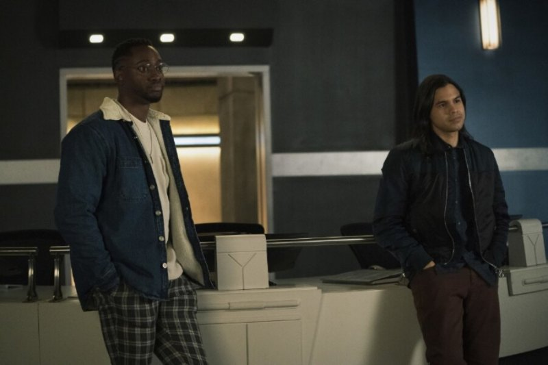 the flash - the one with the nineties review - chester and cisco