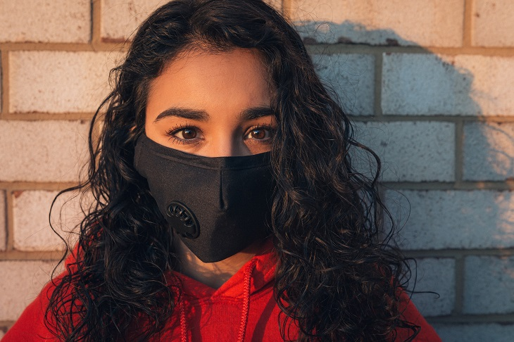 woman wearing mask during COVID-19 pandemic