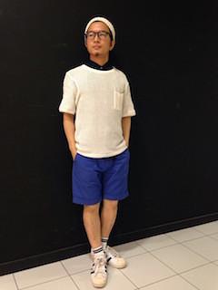 サマーニット帽×白のサマーニット×青のハーフパンツ