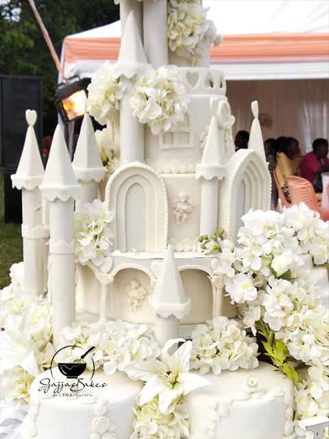 lynaconcepts.com_Castle_Wedding_Cake_09