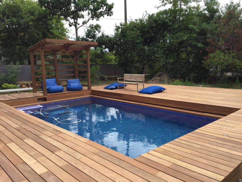 construction piscine 7x4m terrasse bois