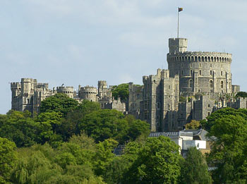 Image of Windsor CastleTime and place in your story matters, Lynette M Burrows