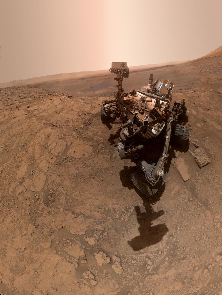 Selfie of the Curiosity rover on Mars.