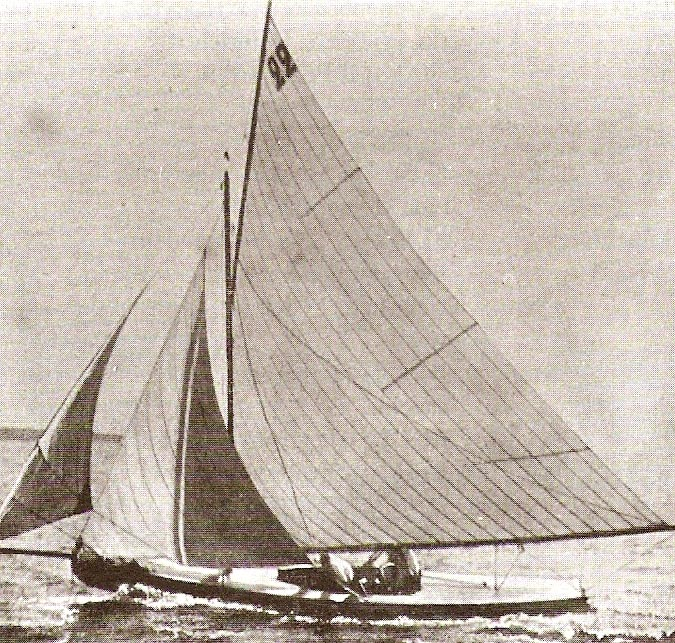 Sepia tone photograph of the Swiss boat Lérina, crewed by Hélène de Pourtalès the first female Olympic champion to strike gold.