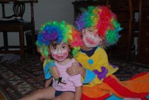 2 clowns