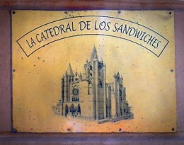 restaurant sign Montevideo Uruguay